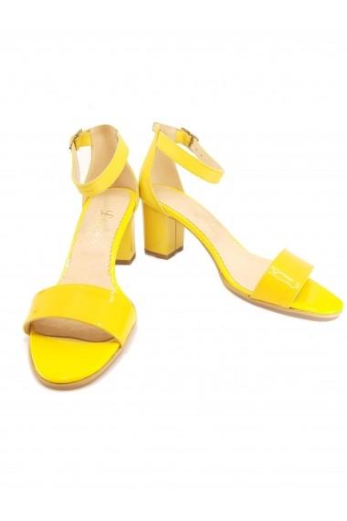 Sandale elegante galbene din lac