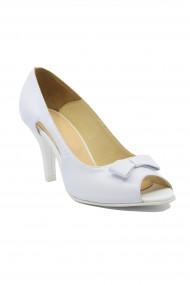 Pantofi dama decupati albi din piele naturala