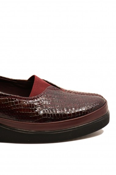 Pantofi dama casual bordo din piele naturala lacuita