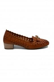 Pantofi cu toc maro perforati dama