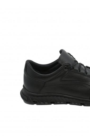 Pantofi negri barbati in stil sportiv din piele naturala