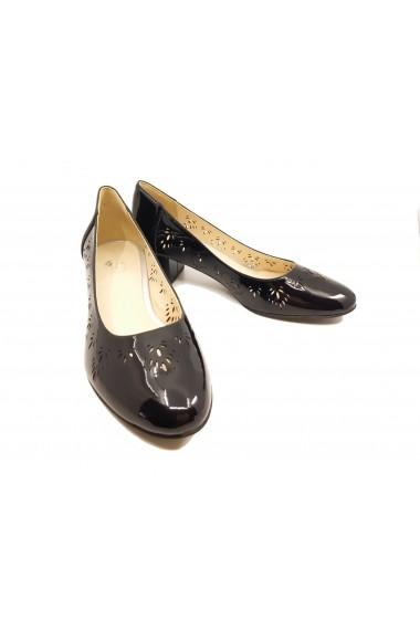 Pantofi cu toc dama negri din lac cu perforatii
