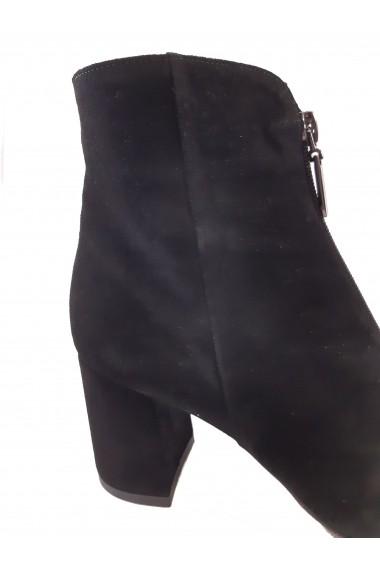 Botine dama elegante  negre  din piele intoarsa