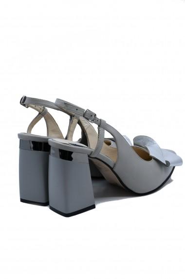 Pantofi dama decupati din piele naturala gri cu fundita argintie
