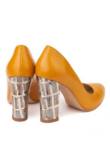 Pantofi cu toc eleganti din piele naturala camel cu toc imbracat 4439