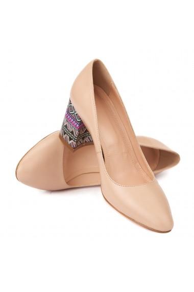 Pantofi cu toc eleganti din piele naturala bej cu toc imbracat 4454