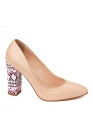 Pantofi cu toc eleganti din piele naturala bej cu toc imbracat 4456