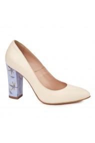 Pantofi dama toc gros din piele naturala crem 4770
