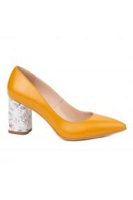 Pantofi dama toc gros din piele naturala galbena 4775