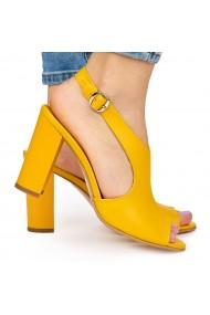 Sandale elegante din piele naturala galbena cu toc gros 9043