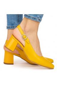 Sandale elegante din piele naturala galbena cu toc gros 9045