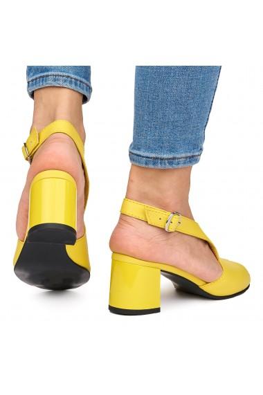 Sandale elegante din piele naturala galbena cu toc gros 9061