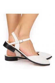 Sandale elegante din piele naturala cu toc mic albe 5223