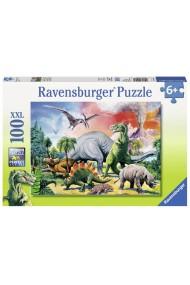 Puzzle printre Dinozauri 100 piese Ravensburger