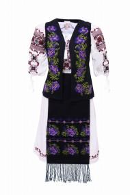 Costum dama cu motive traditionale DAE3867