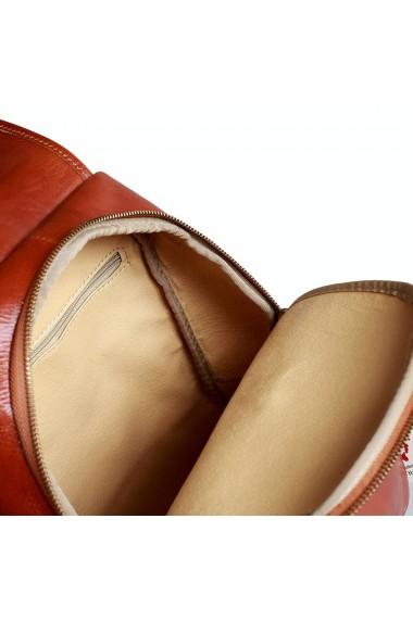 Rucsac de dama din piele maro coniac model R101