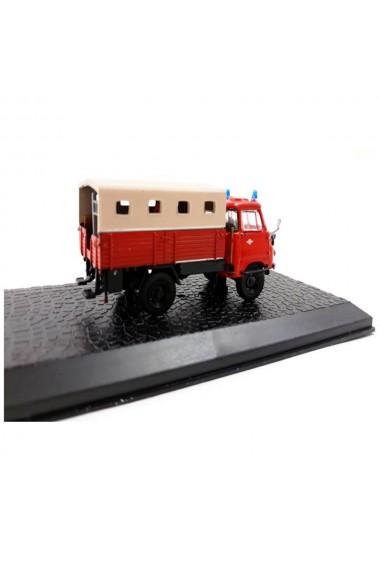 Macheta de colectie masina de pompieri LF 8-STA Robur LO 1800-A rosu scara 1:72