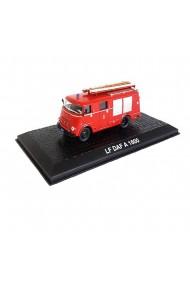 Macheta de colectie masina de pompieri LF DAF A 1600 rosu scara 1:72