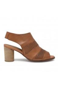 Sandale dama din piele naturala maro cu perforatii Regarde le Ciel