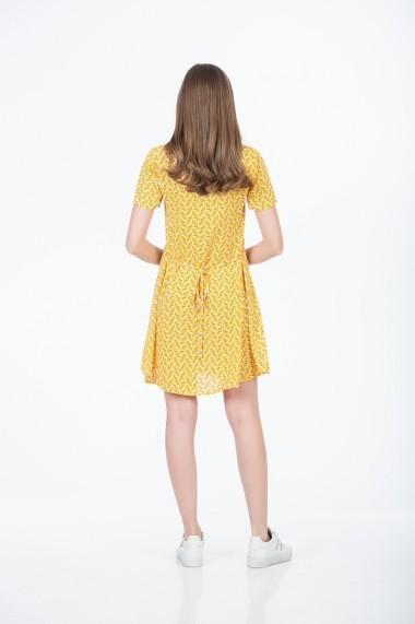 Rochie scurta cu print galben si nasturi frontali Be You