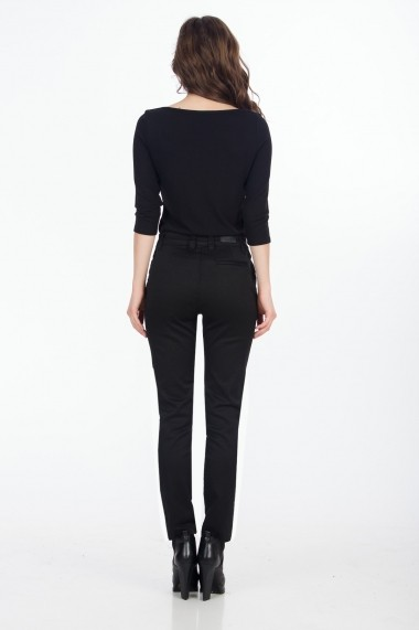 Pantaloni drepti Sense Risty negru