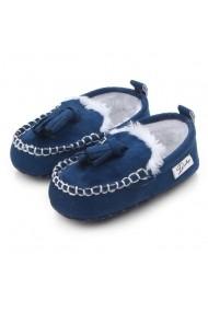 Pantofiori imblaniti cu ciucurei