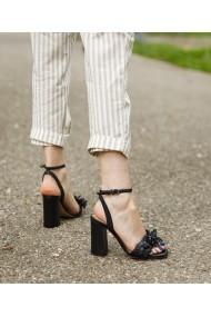 Sandale cu toc Bigiottos Shoes Flowerish negre