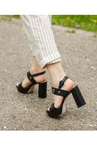 Sandale cu toc Bigiottos Shoes Cali negre