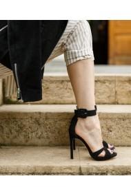 Sandale cu toc Bigiottos Shoes Paris negre
