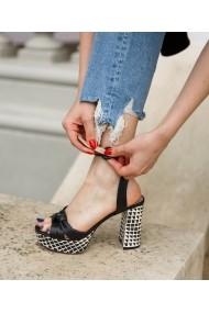 Sandale cu toc Bigiottos Shoes Kama negre