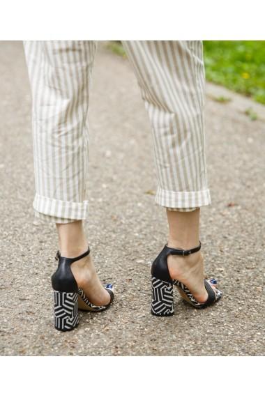 Sandale cu toc Bigiottos Shoes Fierce negre
