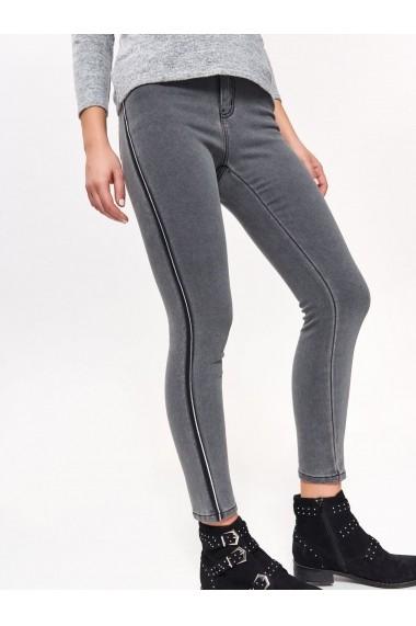 Pantaloni drepti Top Secret TOP-SSP3072SZ