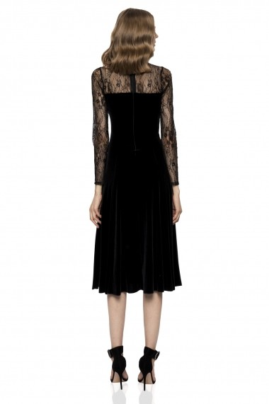 Rochie NISSA din catifea cu maneci lungi din dantela neagra
