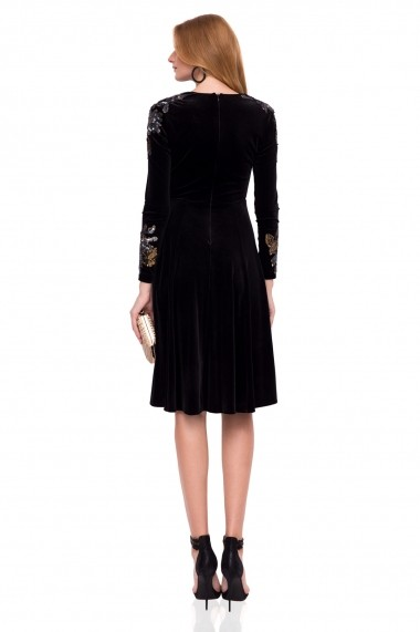 Rochie NISSA eleganta cu imprimeu floral pe maneci neagra