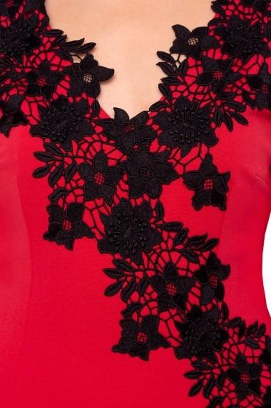Rochie NISSA midi cu detalii din dantela rosie