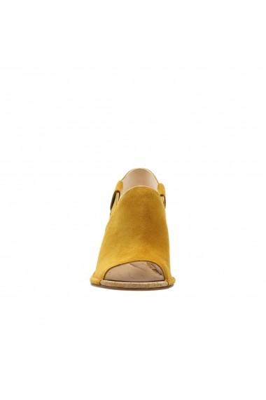Sandale cu platforma CLARKS GGD471 galben