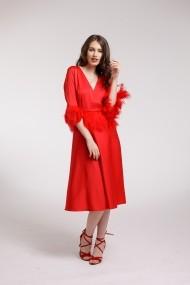 Rochie de cocktail Couture de Marie rosie din matase vegetala si aplicatii din pene