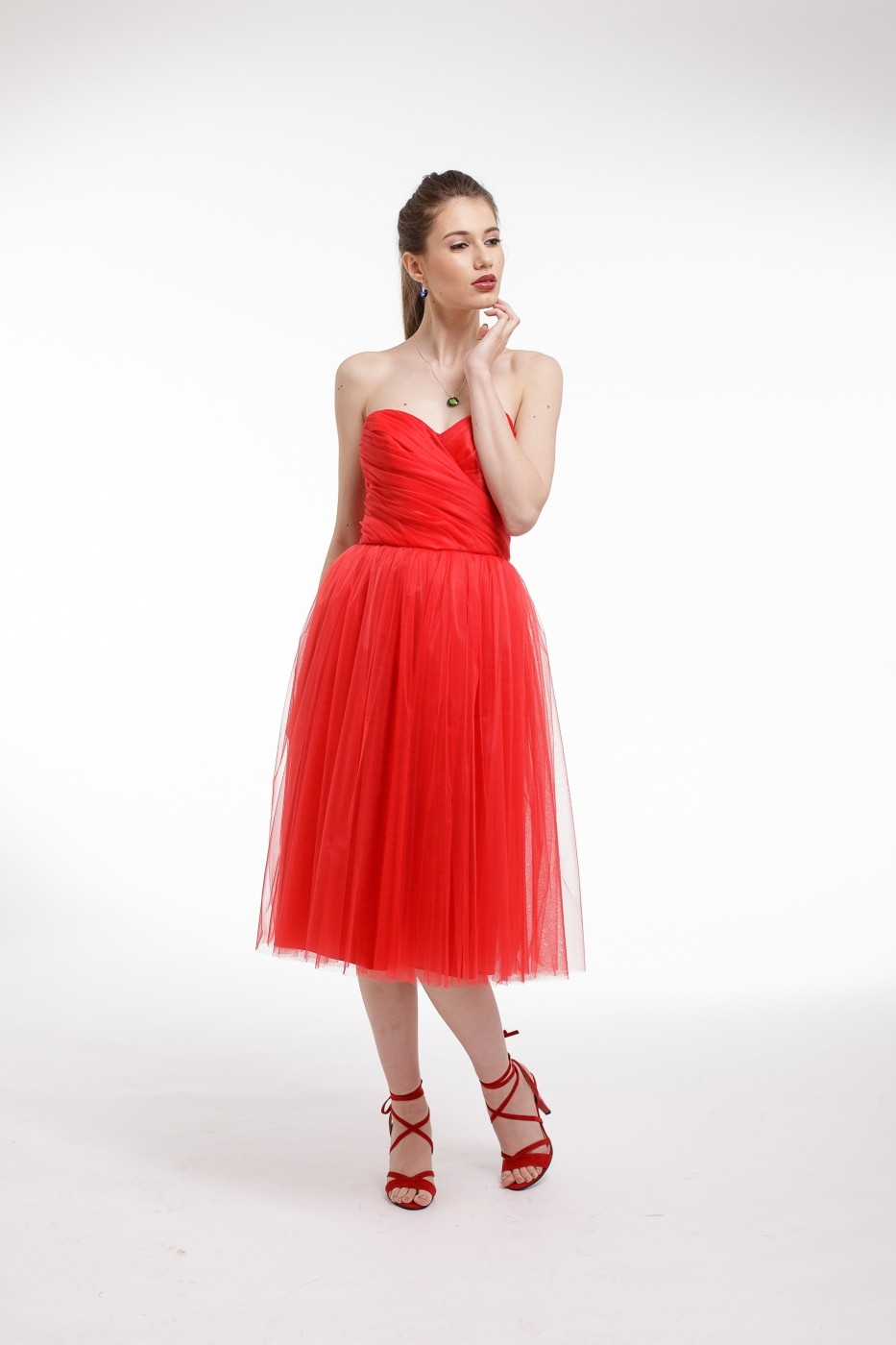 ea04da205a Rochie de cocktail Couture de Marie din tulle si corset fronsat manual rosie