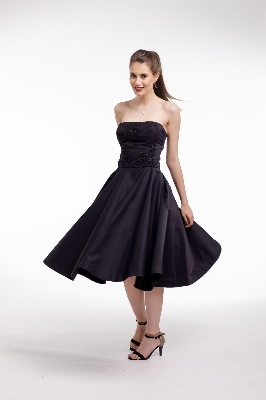d227cc8475 Rochie de cocktail Couture de Marie midi din tafta neagra si corset cu  aplicatii din dantela