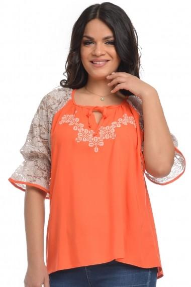 Bluza Dress To Impress din vascoza brodata si cu dantela